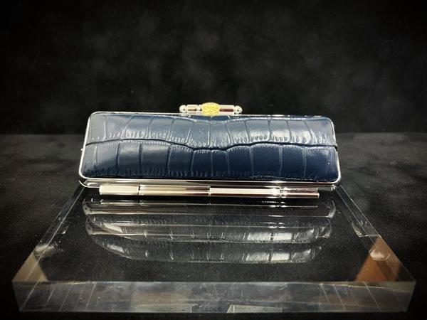 盒子-新鳄鱼¥1,500+税