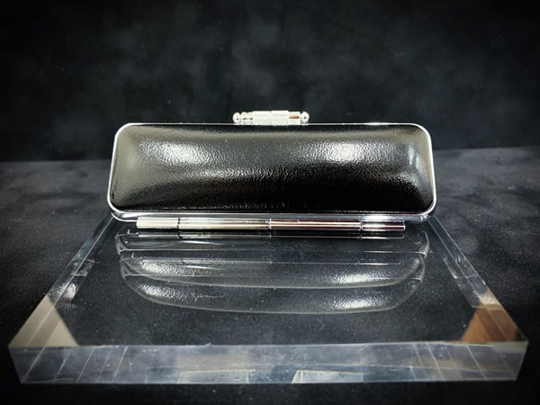 Case-cowhide¥1,500+tax